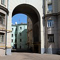 Moscow, Seliverstov 1 arch June 2010 01.JPG