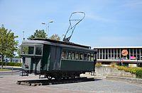 Motrice tramway monument - Gare de Laon.jpg