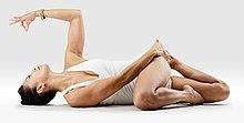 220px Mr yoga svastika legs twist yoga asanas Liste des exercices et position à pratiquer