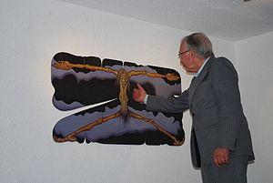 Rodolfo Aguirre Tinoco - odolfo Aguirre Tinoco demonstrating a work at the opening of Muroart at the Salón de la Plástica Mexicana