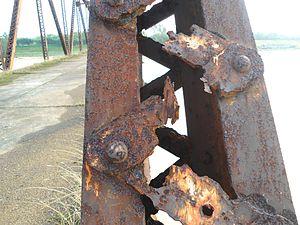 Nandu River Iron Bridge - Evident deterioraton