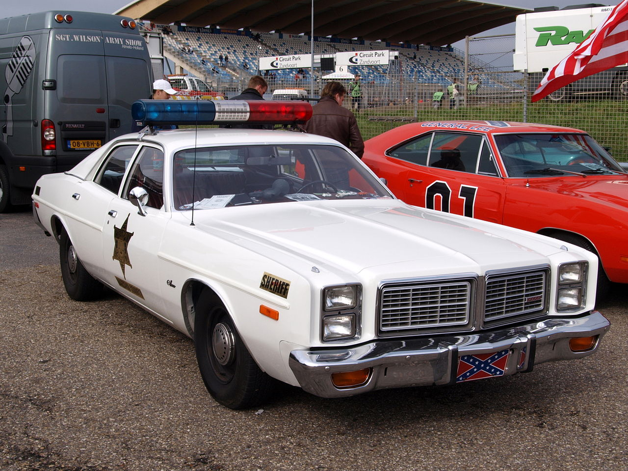 2 Person Car >> File:Nationale oldtimerdag Zandvoort 2010, Police car, Dodge Monaco pic2.JPG - Wikimedia Commons
