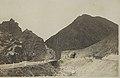 Neue Passstraße und Feldbahn im Radathal - Strecke Drenoro–Trayaci - Durchbruch durch den Reiakpass - 1916-1917 - gelaufen 17. Mai 1918.jpg