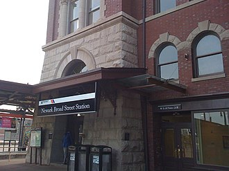 Newark Broad Street station - Image: Newark Broad Street April 2009