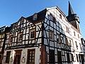 Oberwinter – Fachwerkhaus an der Ecke - panoramio.jpg