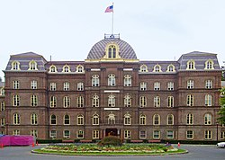 Old Main, Vassar College edit1.jpg