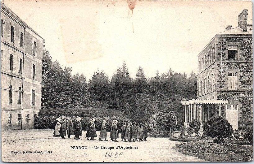 Orphelinat de Perrou.jpg