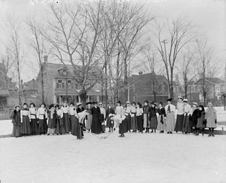 Ottawa Ladies' College - Ottawa Ladies' College group playing hockey, 1906