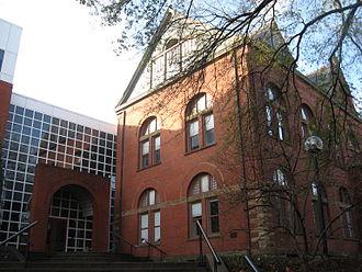 Owen Graduate School of Management - Exterior of Owen Graduate School