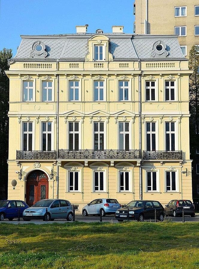 Janasz Palace