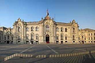 Plaza Mayor, Lima - Government palace