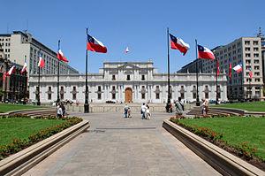 Palacio de la Moneda desde Plaza de la Constitución