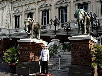 King's Guard (Thailand) - Image: Palais Royal Bangkok
