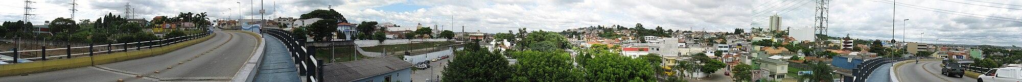 Vista panor�mica do centro de Po�, a partir do viaduto.