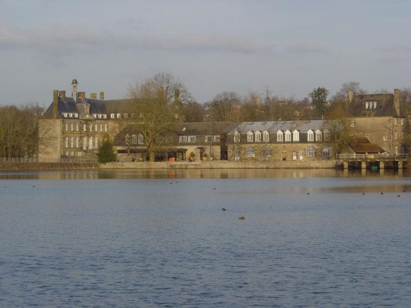 File:Parc Etang du Chateau Flers Orne.jpg
