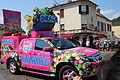 Passage de la caravane du Tour de France 2013 à Saint-Rémy-lès-Chevreuse 040.jpg