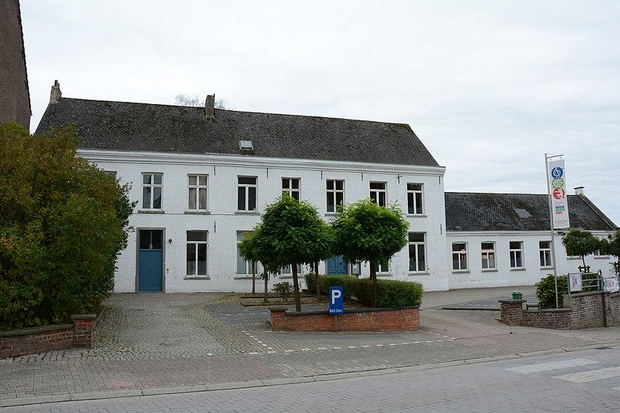 Pastorie, Dorpsstraat 36, Gooik