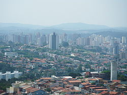 A view of downtown Jundiaí, with Serra do Japi in the background