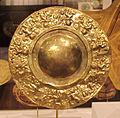 Perù, chimù, disco ornamentale, XII-XV sec, oro sbalzato.JPG