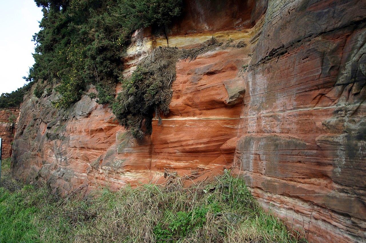 Tipico affioramento della fine del Permiano. Sabbie desertiche.