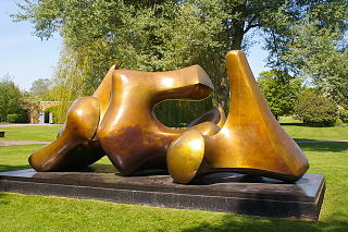 <i>Three Piece Sculpture: Vertebrae</i> sculpture by Henry Moore (LH 580, Henry Moore Sculpture Perry Green)