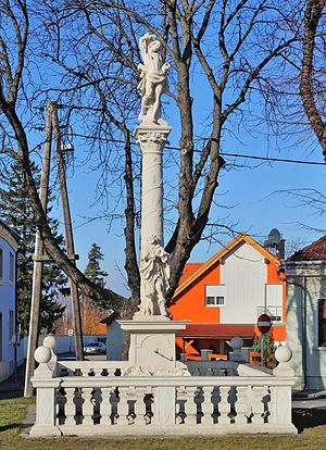 Mannersdorf am Leithagebirge - Plague column