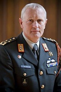 Peter van Uhm Dutch general