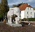 Pflügender Elefant - panoramio (1).jpg