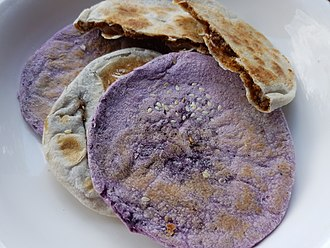 Piaya (food) - Image: Piaya flatbread (Philippines) 01