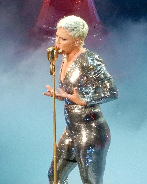 File:Pink at Madison Square Garden (40532526914).jpg