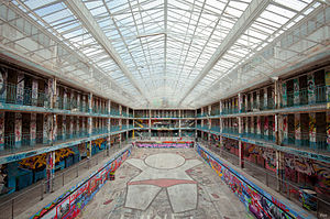 Piscine Molitor - The pool in disrepair between its closure in 1989 and redevelopment in 2013.