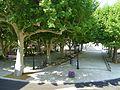 Place Général de Gaulle, Villecroze.jpg