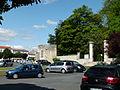 Place du Château à Surgères.JPG