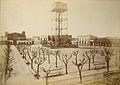 Plaza de Lorea. El estanque (Junior, 1876).jpg