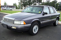 Plymouth Acclaim (1990)