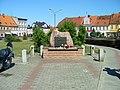 Pomnik na Placu Rozstrzelanych - panoramio.jpg