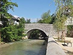 Pont-Vieux Chambéry-Cognin (2014).JPG