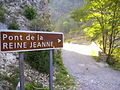 Pont de la reine Jeanne 0528.JPG