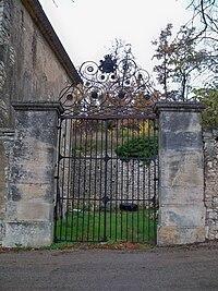 Portail Chateau.JPG