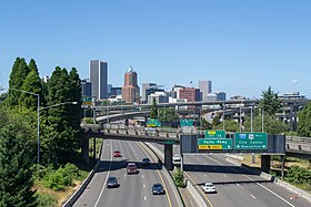 Portland, Oregon skyline from the Ross Island Bridge.jpg