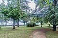 Public garden in Domme 03.jpg