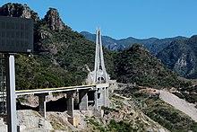 Puente Baluarte, carretera Durango-Mazatlán.jpg