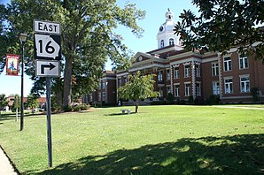 Putnam County Courthouse im Eatonton Historic District, gelistet im NRHP Nr. 75000605[1]