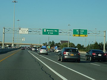 QEW, Turn-off Overhead sign.jpg
