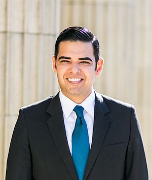 Robert Garcia (California politician) - Image: RG Headshot