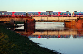 Ulleskelf - Image: Railway Bridge over River Wharfe at Ulleskelf geograph 494132 by Andrew Whale