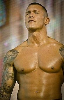 [Forme] Randy Orton blessé ? 220px-Randy_Orton_2010