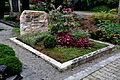 Ravensburg Hauptfriedhof Grabmal Burth.jpg