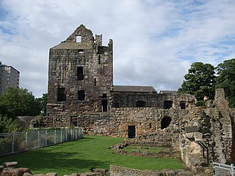 Ravenscraig Castle - geograph.org.uk - 937193.jpg