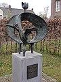 Reek (Landerd) uitvliegende vogel, Jeop Coppens, ca. 2000, bij voorm. klooster, Heijtmorgen.JPG
